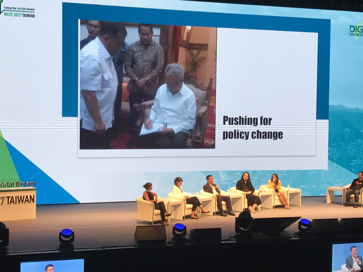 #data #transparency can load to policy change  #WCIT2017 #CivicTechFest<br>http://pic.twitter.com/5WP9hqmOqJ