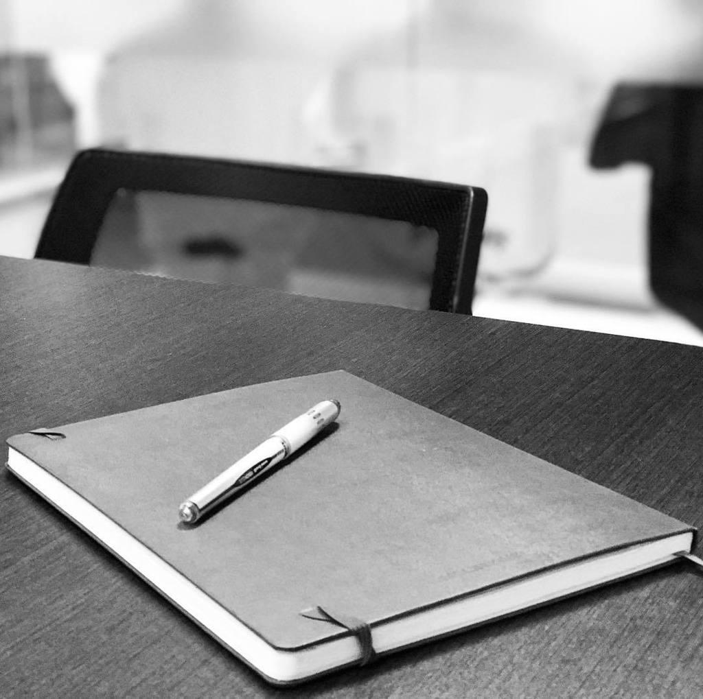 Meeting time! #wednesday #planning #workinprogress #workinggirl #moleskine #meeting #mood #bettertogether #instawo… http://ift.tt/2eU69LYpic.twitter.com/nnDwa7bALk