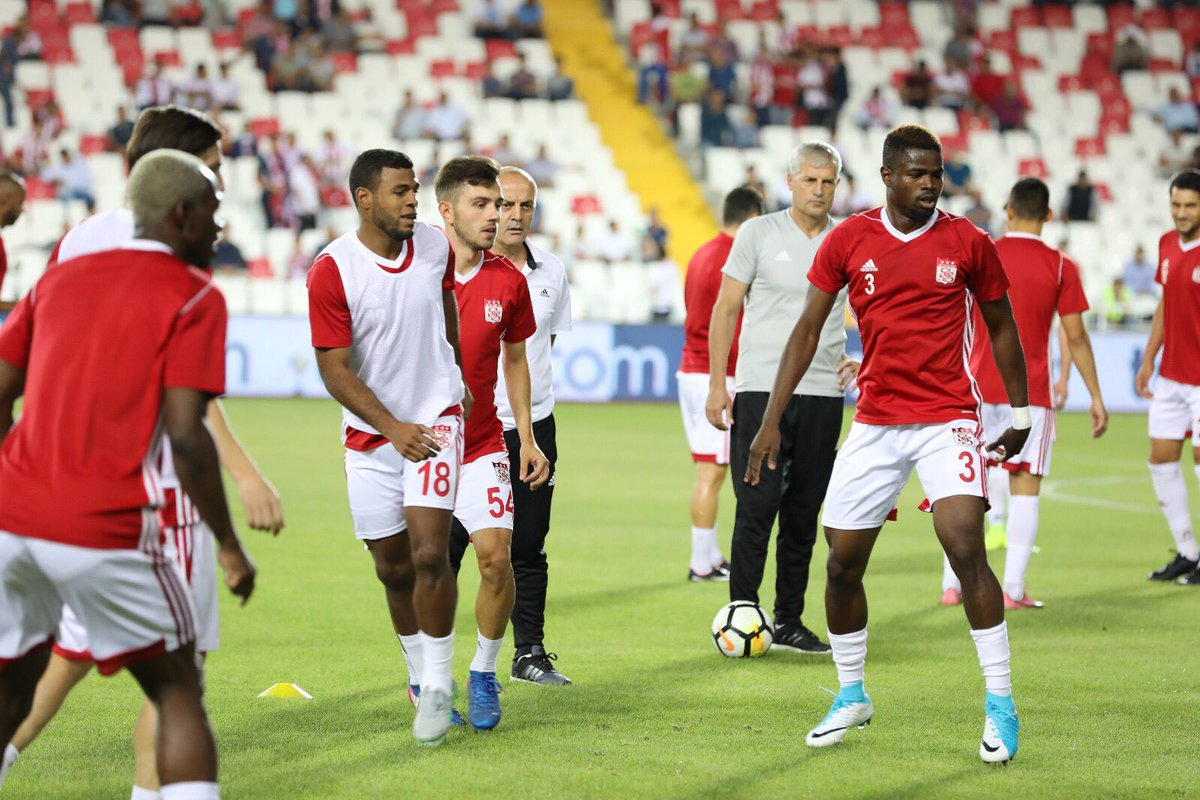 Success is the sum of small efforts repeated day-in and day-out #EUE3 #100smiles #sivasspor #E3