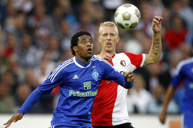 I wish @Feyenoord all the best tonight against @ManCity in the @ChampionsLeague #throwback #feydin <br>http://pic.twitter.com/XpZ5aVEDXU