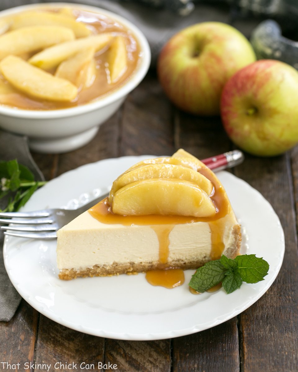 Easy Sour Cream Cheesecake with Caramel Apples! The ultimate autumnal dessert! #ad @deanfoods https://t.co/9aWKuTC4h4 https://t.co/LziRR9qEt0