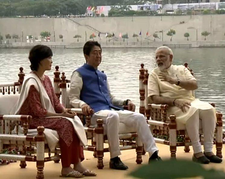 PM Shri @narendramodi and PM of Japan @AbeShinzo at Sabarmati riverfro...