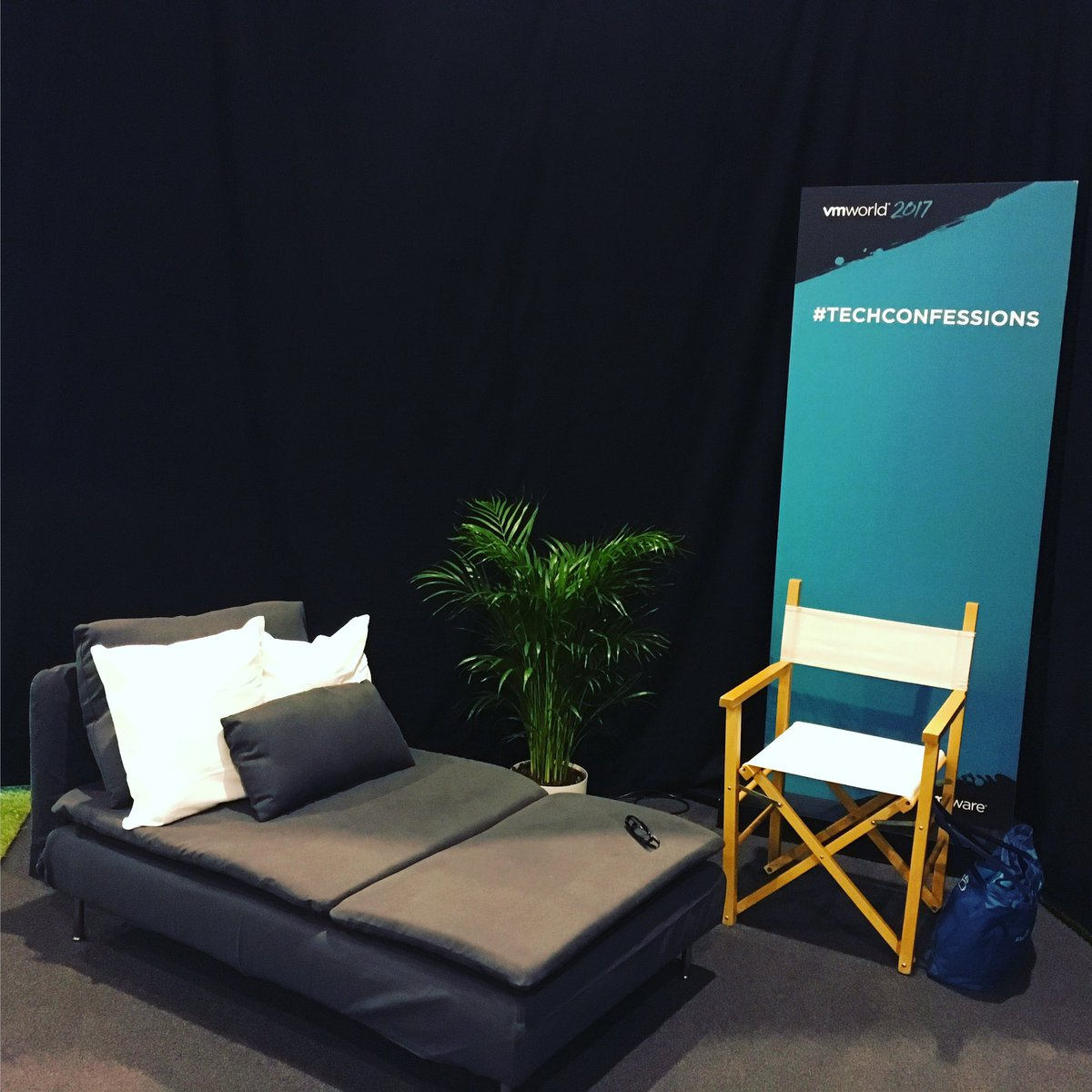 What better way to relax than putting your feet up this afternoon on #techconfessions? #vmworld (Hall 8.1 VMplace)<br>http://pic.twitter.com/tLstwQhXE5
