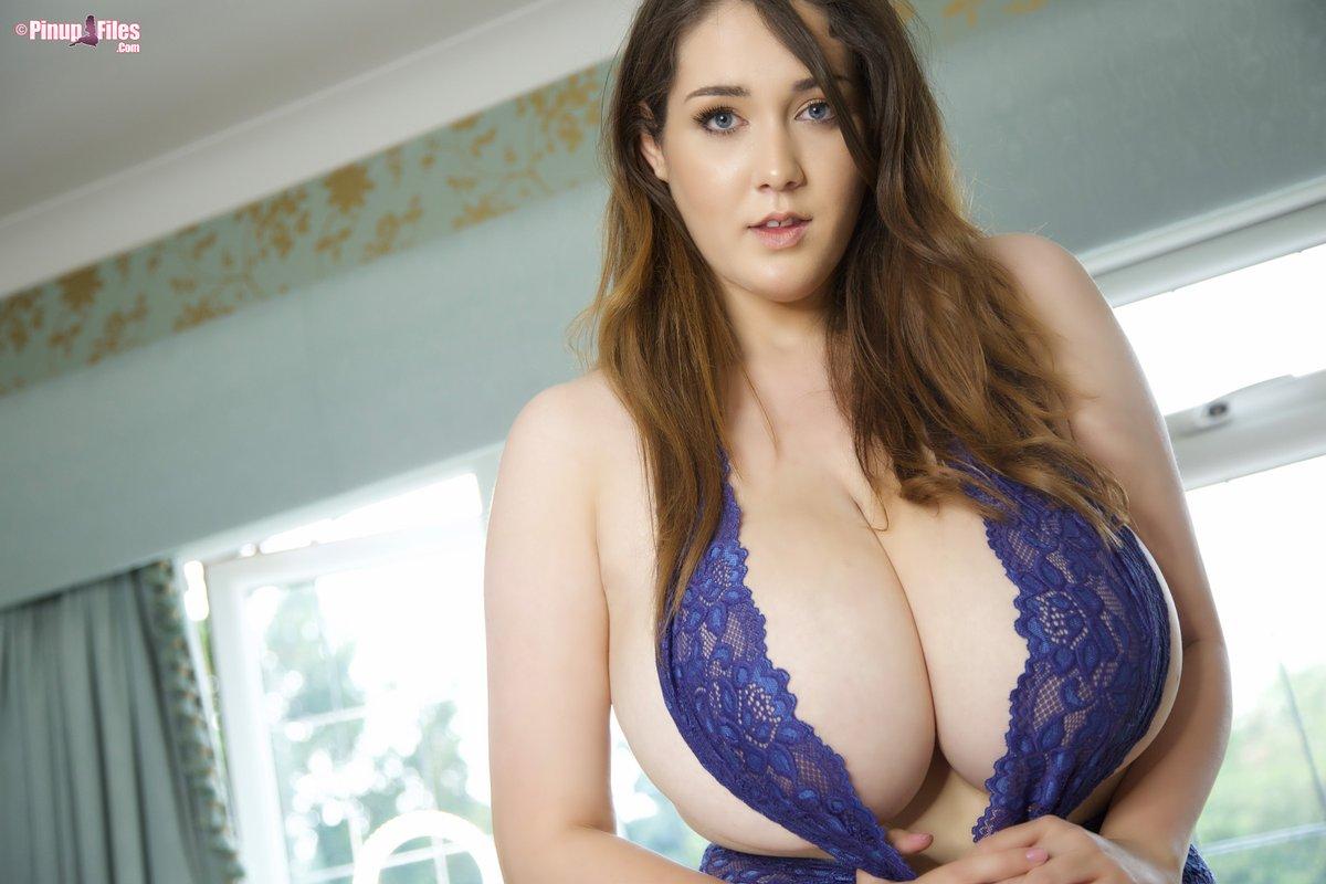 32 b breasts
