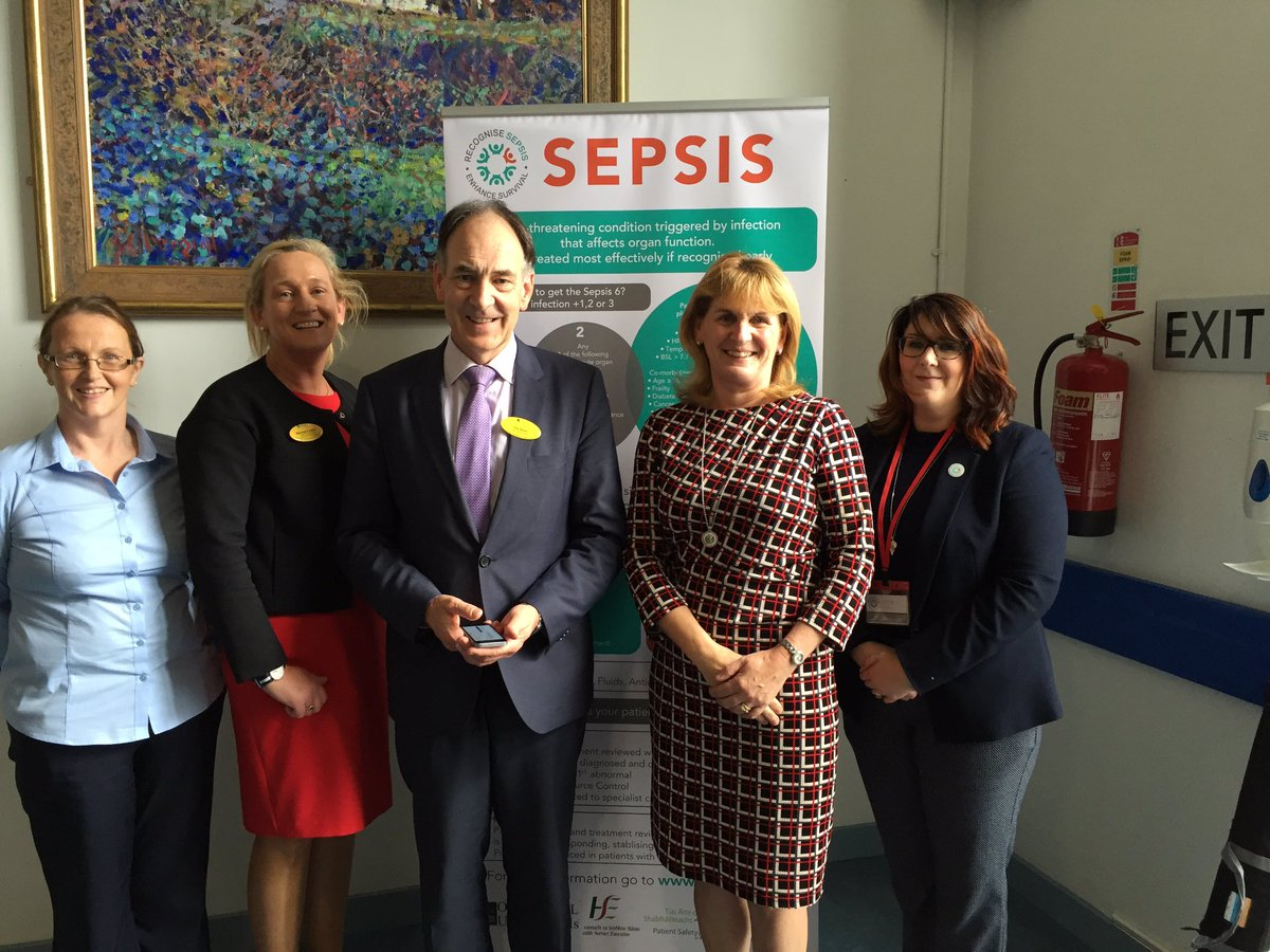 Chief Clinical Director, Chief Nurse &amp; DON Medicine supporting &amp; promoting #WSD17 @ULHospitals @YYSepsis<br>http://pic.twitter.com/sX1c7O83Xf