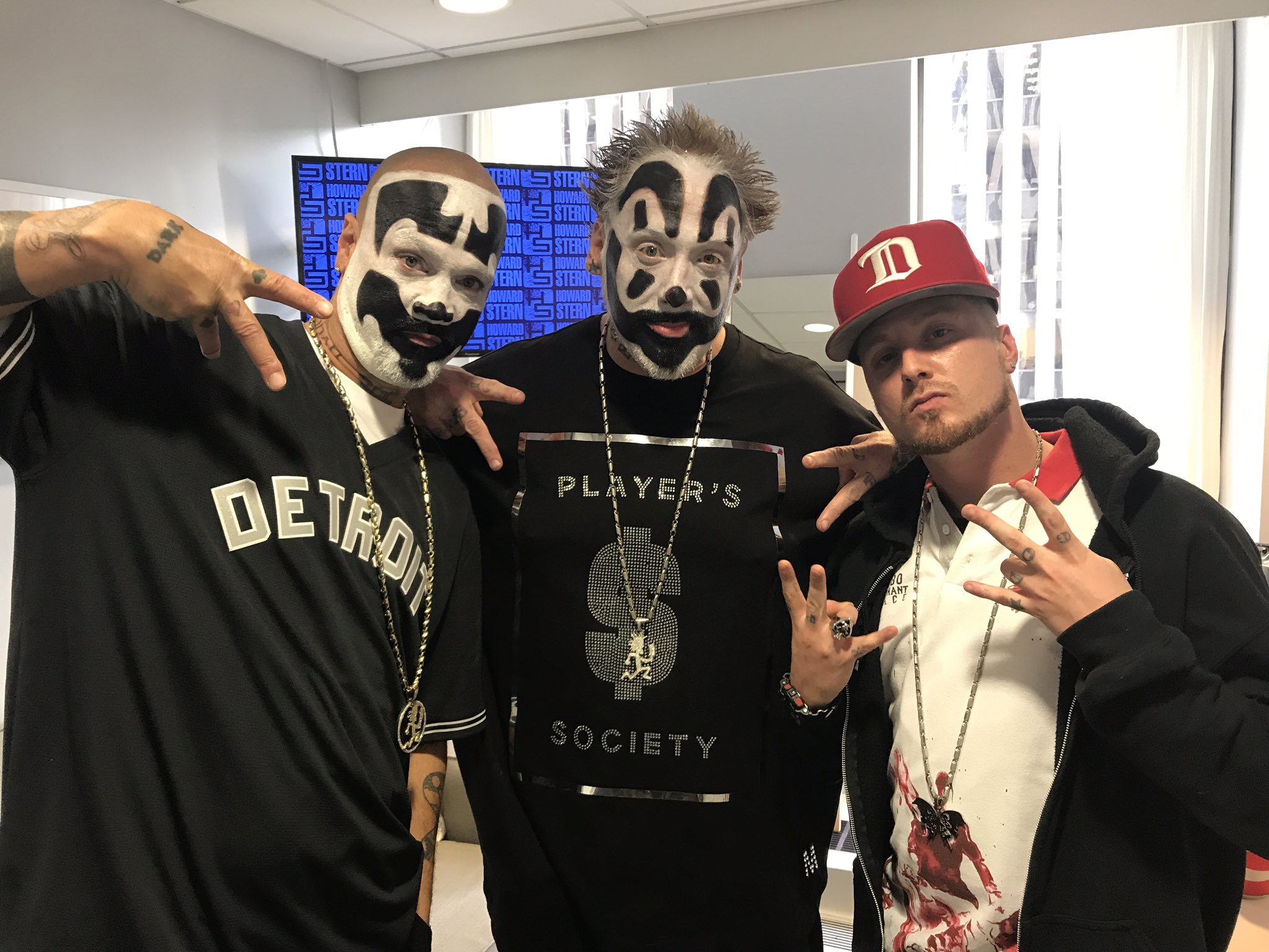 Insane Clown Posse On Twitter We Re Live Right Now On The Howard
