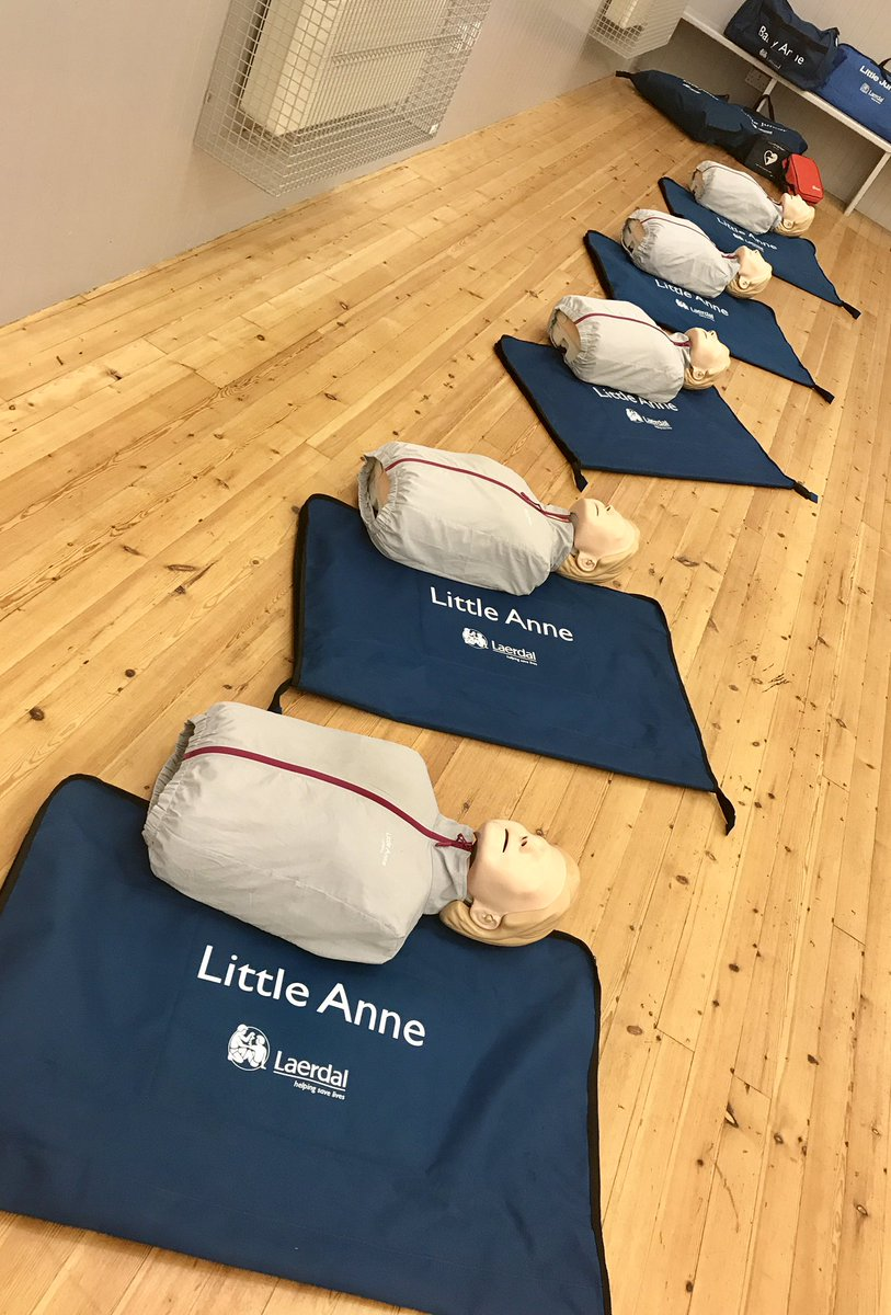 All Ready for a #Community #CPR Session in #stenton #EastLothian with the @Scotambservice &amp; @RLSSUK<br>http://pic.twitter.com/Gh4we91WKs