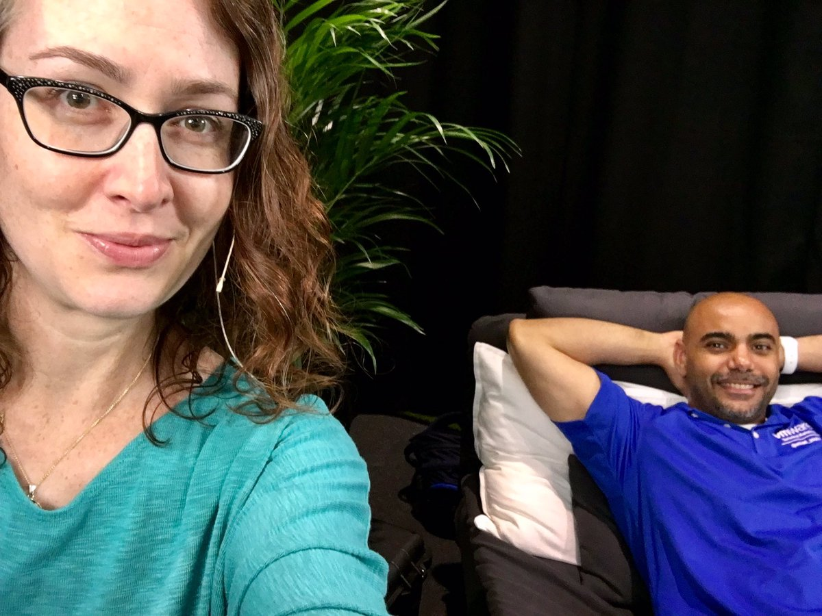 He&#39;s smiling! #techconfessions #REF #vmworld // @emad_younis<br>http://pic.twitter.com/0PJNk8dT01