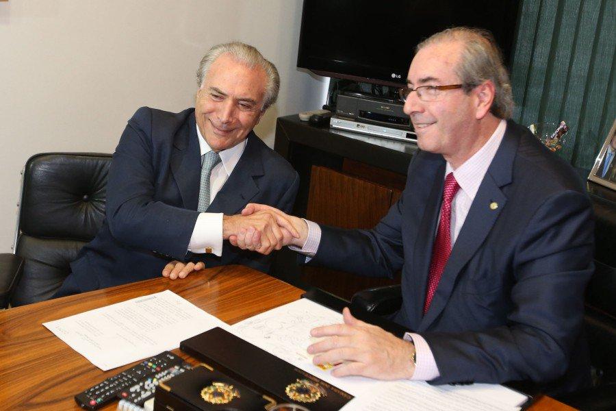 """Temer e Cunha tramavam """"diariamente"""" queda de Dilma, afirma delator https://t.co/7gBgY94ryG"""