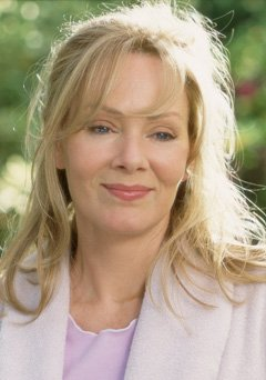 A very Happy Birthday to Jean Smart, the voice of Helen Ventrix in Batman: The Animated Series!