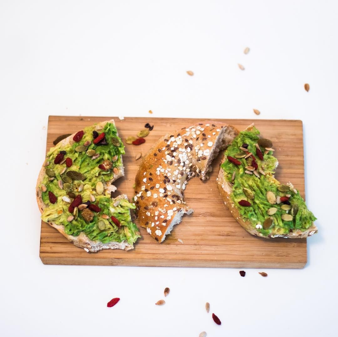 Looking for a #healthylunch idea? Here is one - #avocadotoast with cranberries and #pepitas or even #avocadobagel   http:// bit.ly/2eIOz0Y  &nbsp;  <br>http://pic.twitter.com/CXd0gz0wVQ