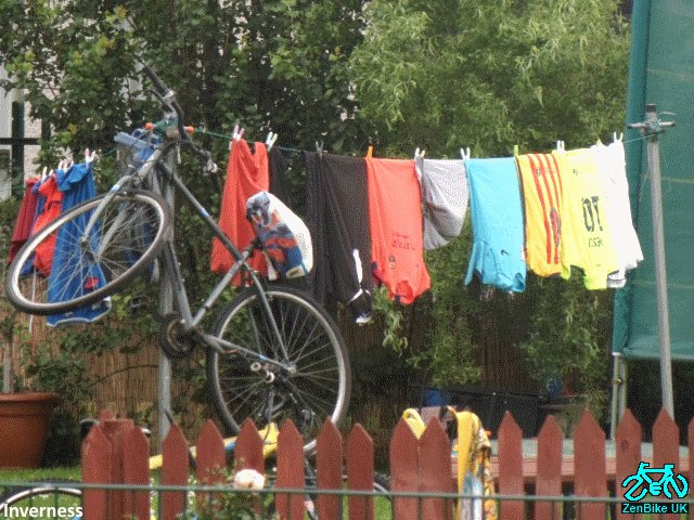 If your bike got wet on #biketoworkday - no problem - hang it out to dry :) <br>http://pic.twitter.com/WrsS7PMzf4