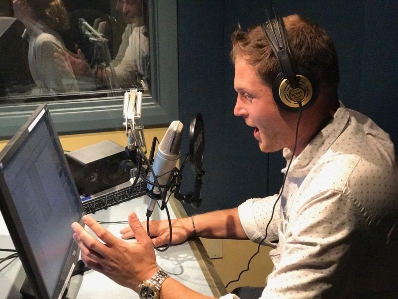 Fun day doing some new radio ads at #kfun and #virgin radio! <br>http://pic.twitter.com/iLS7J4MkHq