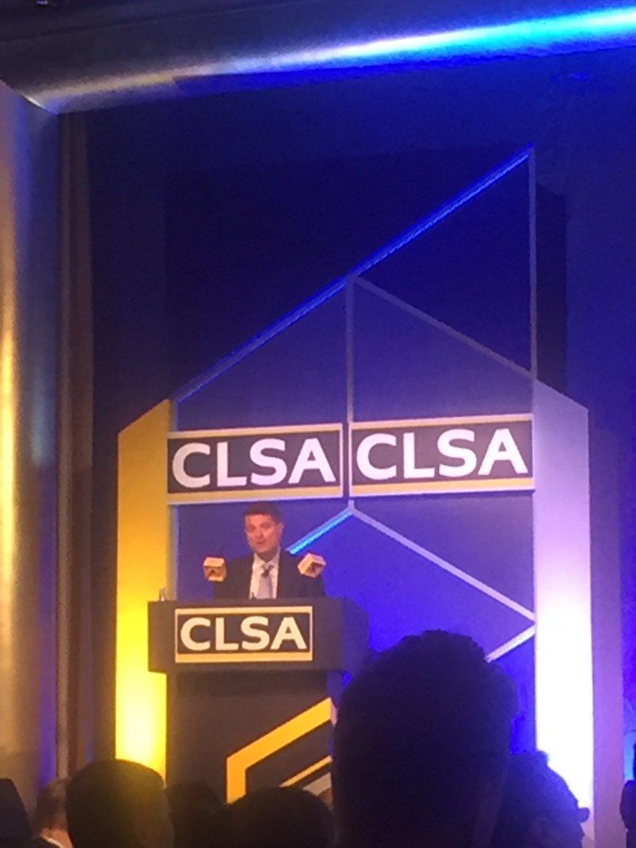 Martin Ford on Disruptive Technology ! #CLSAinvestorsforum #robotics #tech #artificialintelligence #distuption @finechiquier<br>http://pic.twitter.com/r38mCVOJnG