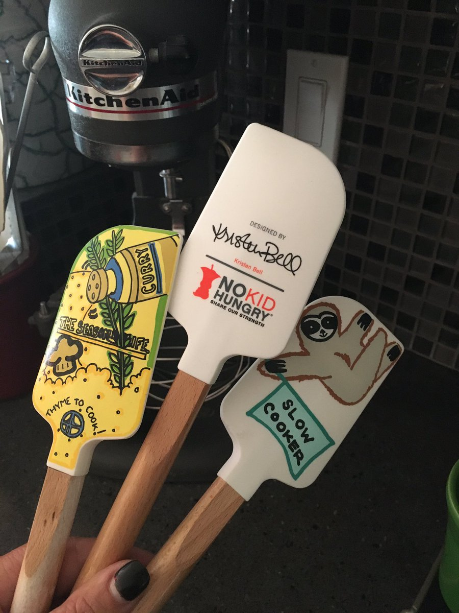My @IMKristenBell spatula arrived and will join my @ayeshacurry spatula in my kitchen supporting @nokidhungry. @WilliamsSonoma #teamNKH <br>http://pic.twitter.com/rcsg466XZf