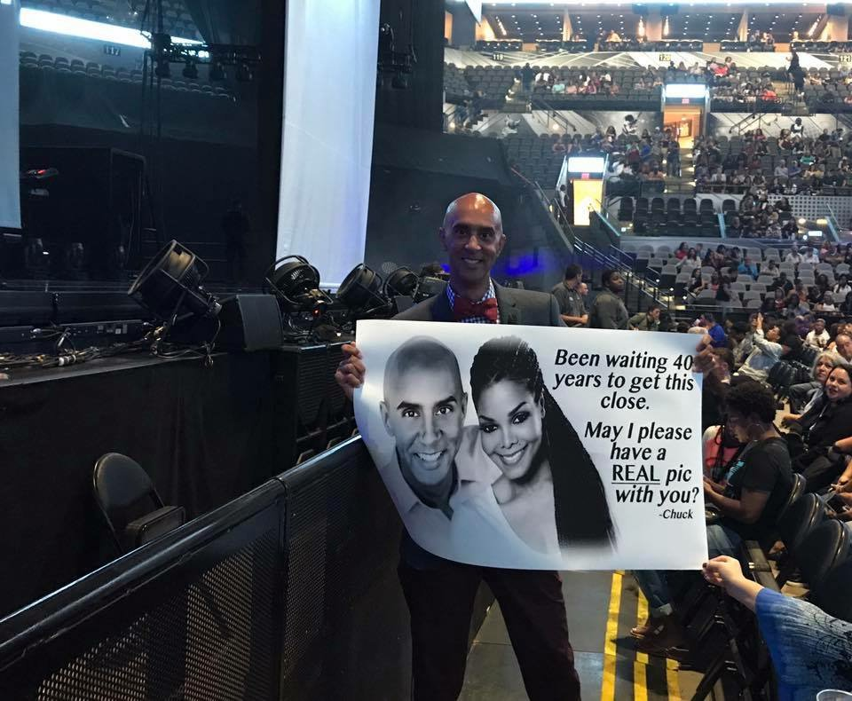 .@JanetJackson please take a real photo with @ChuckCureau tonight, he's been waiting so long! https://t.co/cOKKMjKMIa