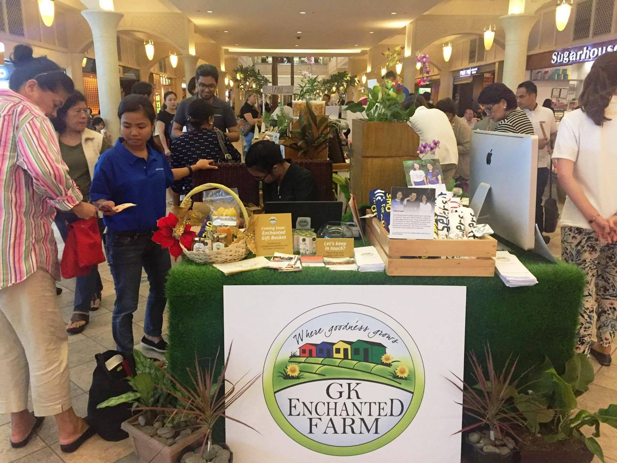For 10 days, @gkefarm will be sharing goodness of over 20 #socents. Please drop by if you are in the area. #EnchantedKiosk<br>http://pic.twitter.com/GjJdtC8mdc