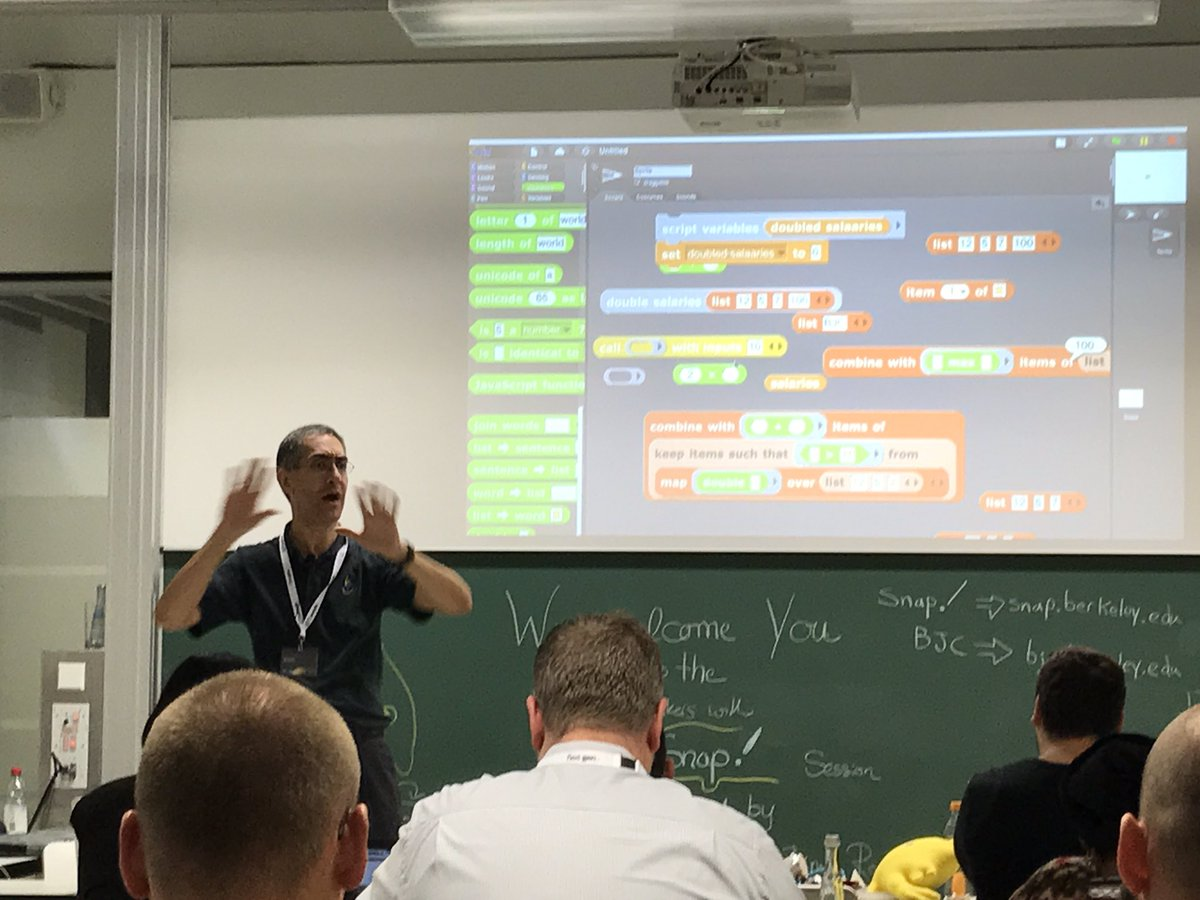 Dan Garcia surprises many workshop participants with stateless iteration-free functional programming in Snap! #UAAC2017 <br>http://pic.twitter.com/hh2SLqhCfX