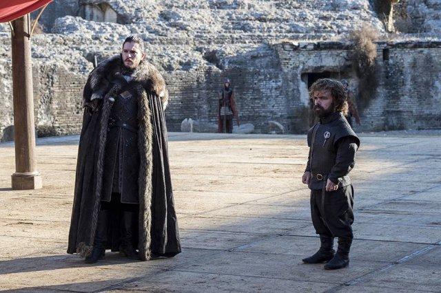HBO vai gravar vários finais diferentes para 'Game of Thrones' para evitar spoilers https://t.co/meqebwIpU1