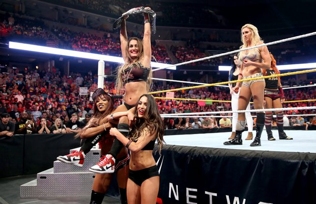 Today in History: Nikki @BellaTwins becomes the longest-reigning Divas Champion https://t.co/eJFbDCV6FD https://t.co/9XVuYBH0XD