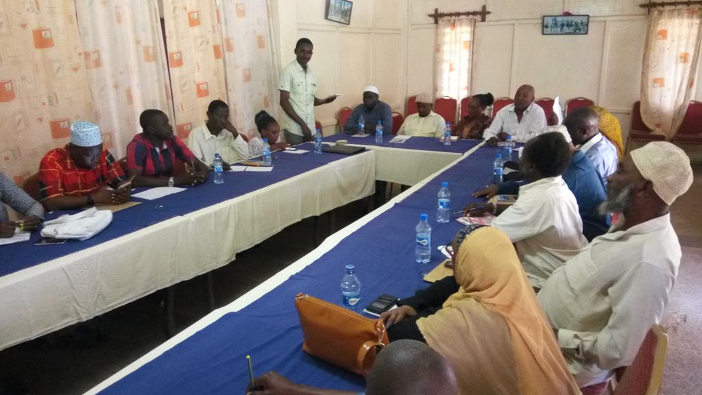 Ongoing joint Kilifi County peace committee meeting in preparation for the October 17th elections.  #electionpreparedness @JamiiThabiti<br>http://pic.twitter.com/blShldZ3vS