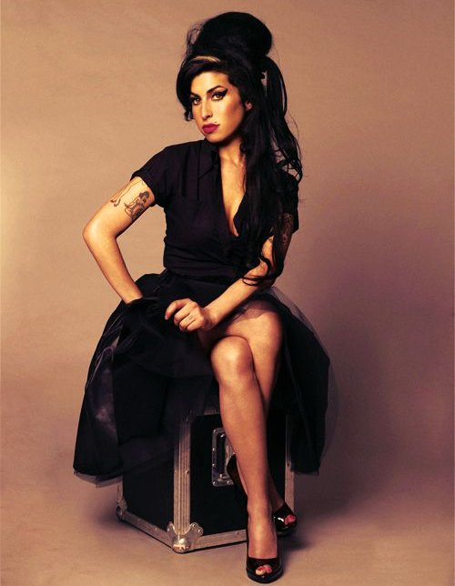 Today the beautiful songstress Amy Winehouse would have been celebrating her 34th birthday. Happy birthday Amy!