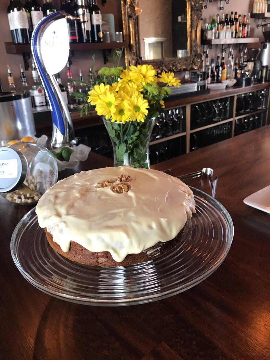 Meg&#39;s lovely carrot cake- sooo good! #bemorefudge #hove #brighton #cake #treats  #yummymummies #bistro<br>http://pic.twitter.com/thoxqIhGHv
