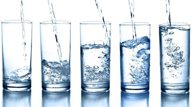 Сколько нужно в день пить воду подростку