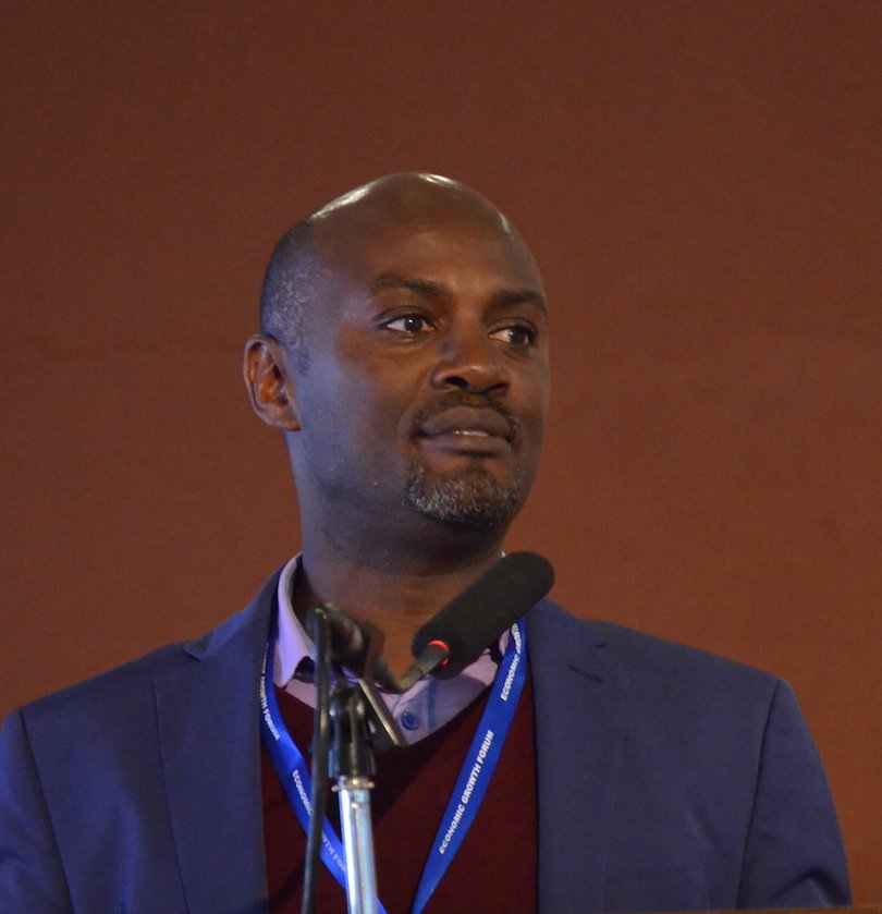At Uganda&#39;s Economic Forum @AndrewMwenda asks if there is any country that was developed without #structuralTransformation  #UgGrowthConf17<br>http://pic.twitter.com/EI9wESWiTS