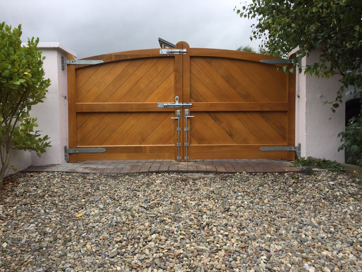Accoya gates supplied by ourselvespic.twitter.com/cgu21YjBGw & D.C joinery (@garcarrick) | Twitter