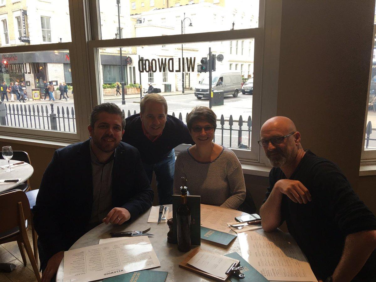 Lunch with Team 1 #KPI #makeadent #profile @dentglobal<br>http://pic.twitter.com/98qutGjcmZ &ndash; at Wildwood