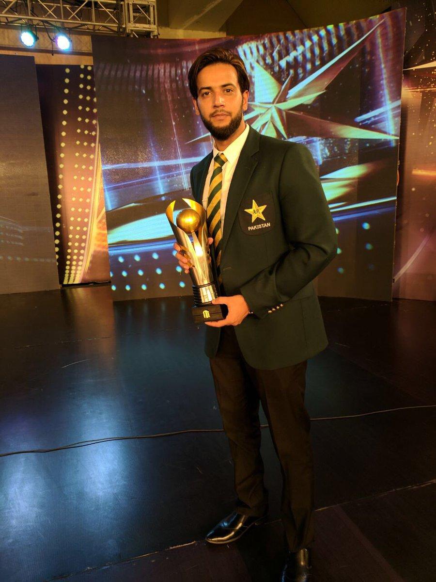 DJs5HgOXgAEWQEY - 5 Pakistani Cricketers Who Could Walk Into Any IPL Side