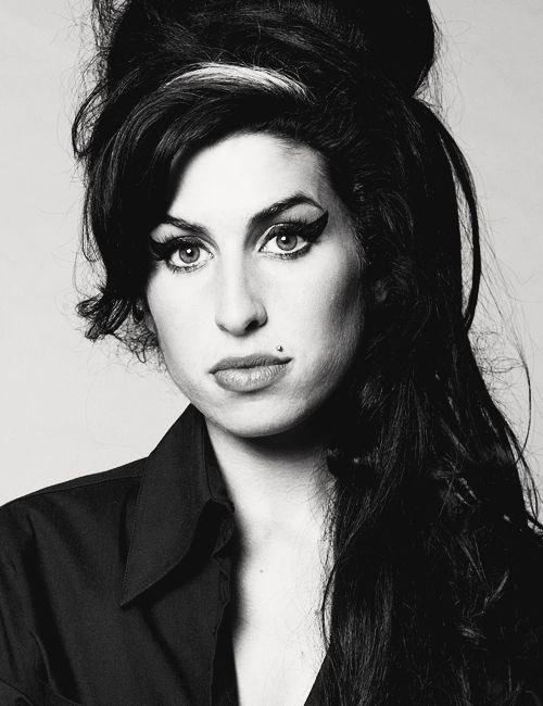 Happy Birthday Amy Winehouse!!