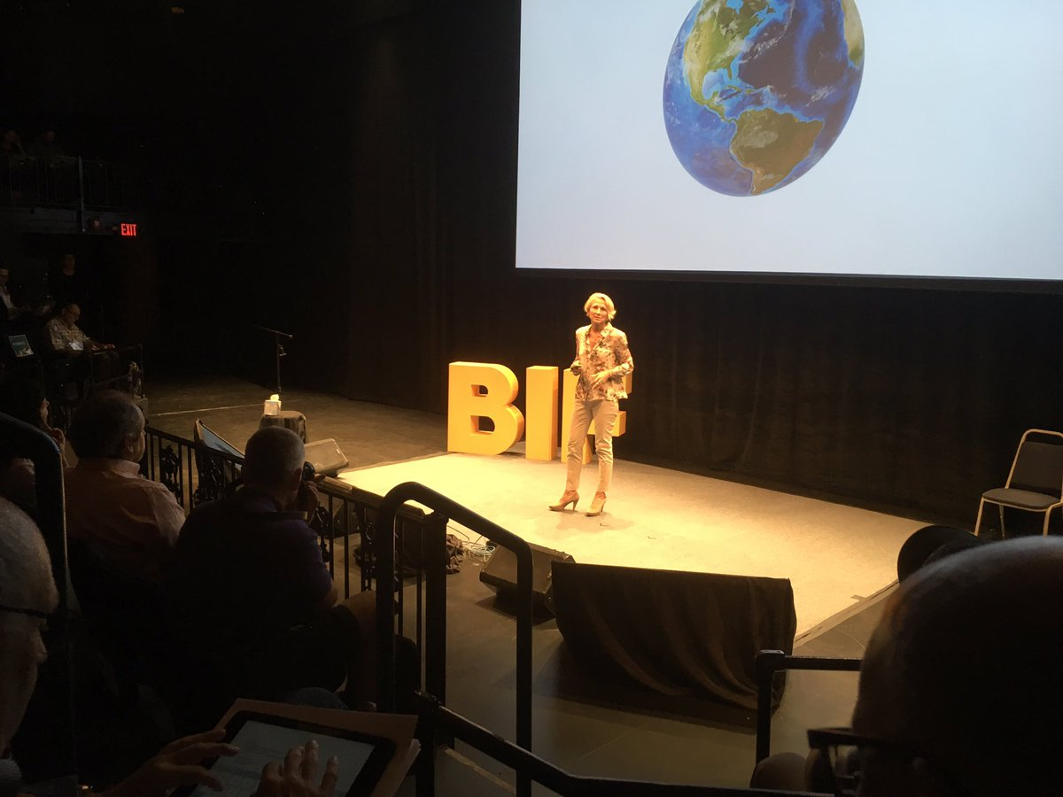 Excited to hear ideas from @ASophieWade at #BIF2017 after great lunch convo yesterday about future of work &amp; education <br>http://pic.twitter.com/ZNQbf63jgO