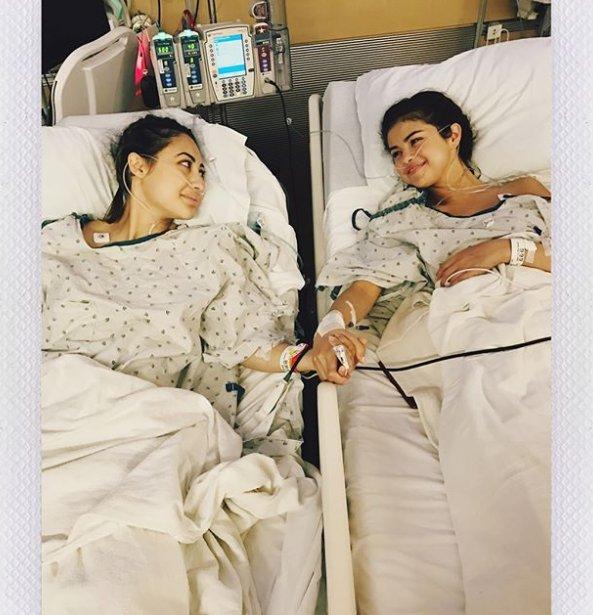 Pour combattre le lupus, Selena Gomez révèle s'être fait greffer le rein de sa meilleure amie. Une belle preuve d'amitié 💞