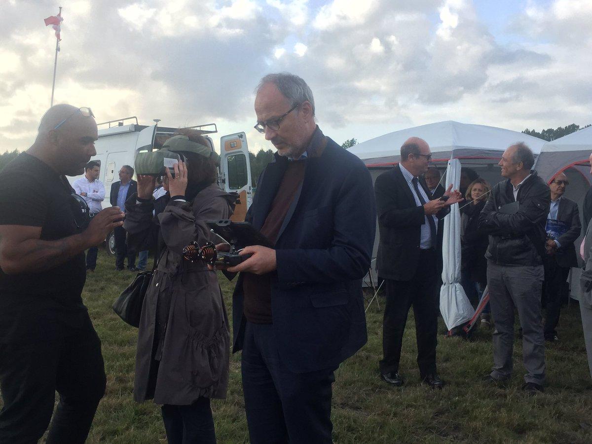 La DSAC invitée par @CesaDrones et @Bdx_Technowest s'initie au pilotage de #drone