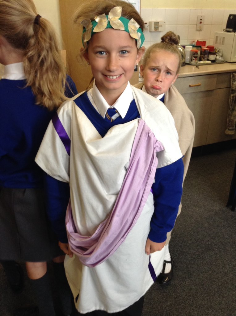 Year 5 enjoyed being Romans for the day, now where's that legion! @RomanTours #chester #romans #deva