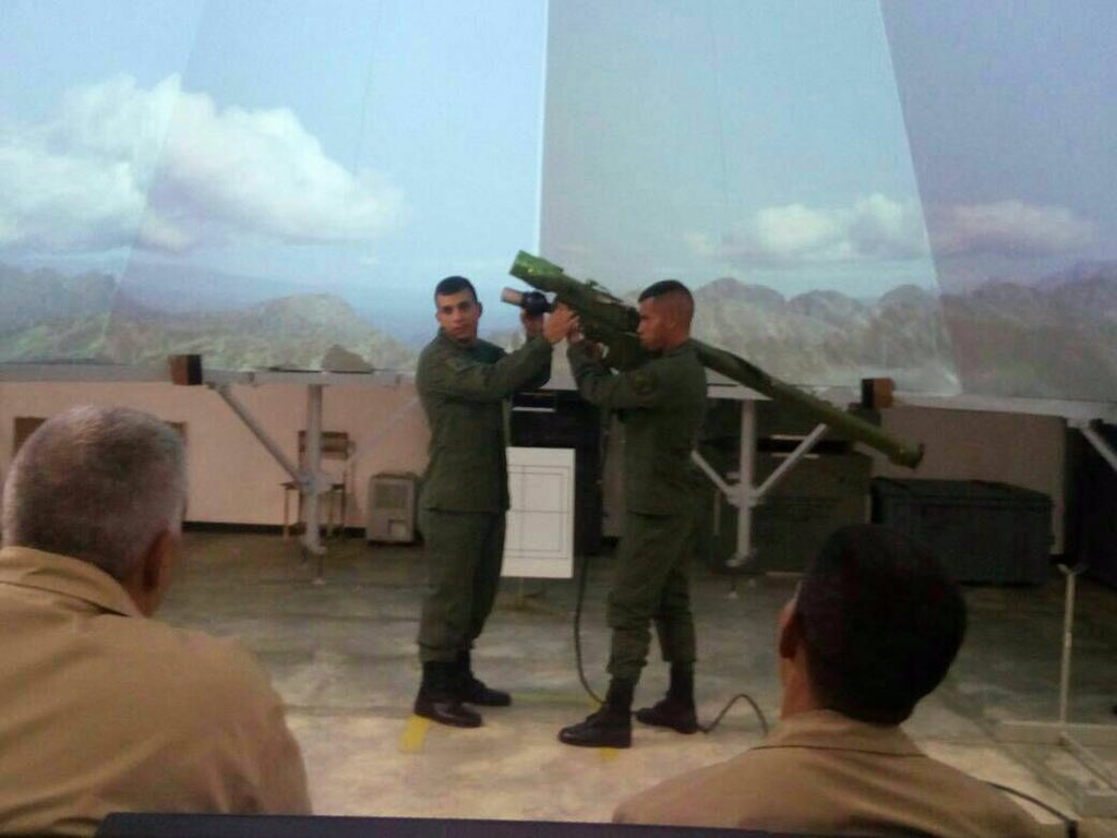Armed Forces of Venezuela Photos - Page 6 DJtXb_WWAAUvNCO