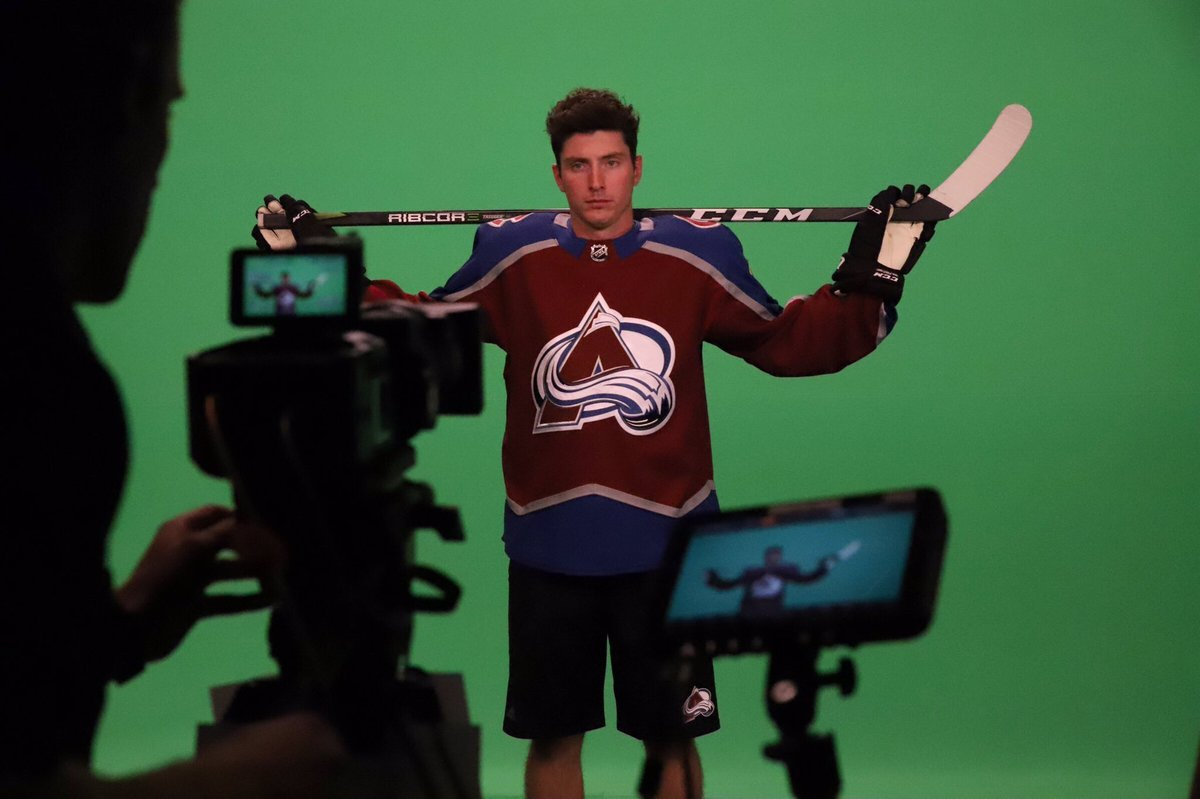 This is not a hostage photo. This is Matt Duchene as an Av https://t.co/47YTosCg0y