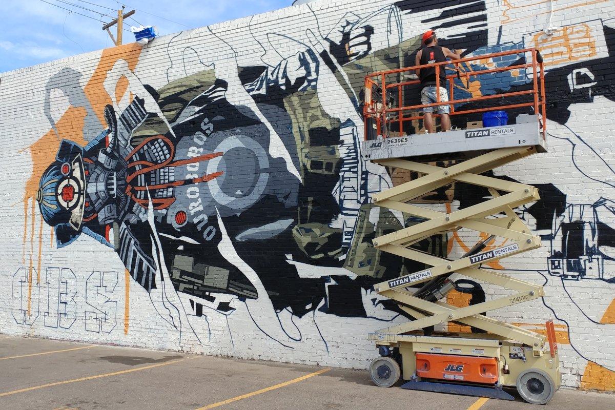 Art in progress: RiNo gets new murals during CRUSH festival  https://t.co/ktu3b0fOE2 #Denver #streetart #graffiti
