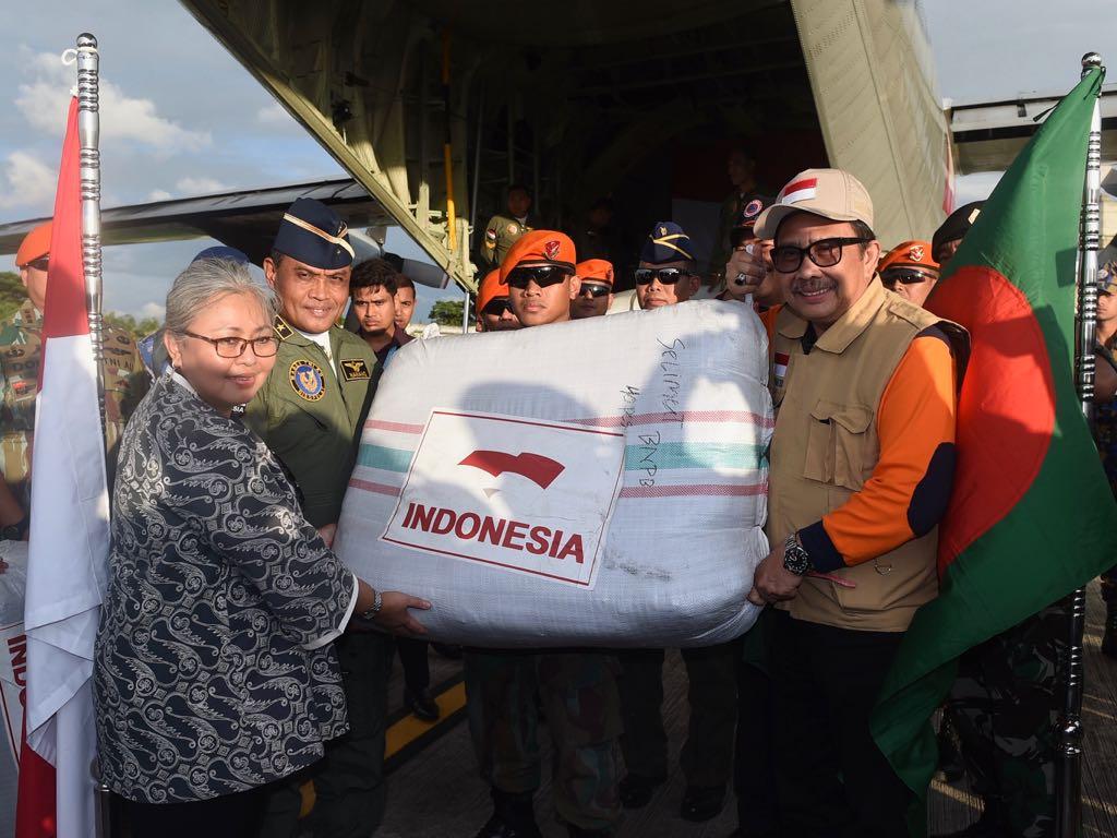 Image result for Bantuan RI untuk Rohingya tiba di Bangladesh