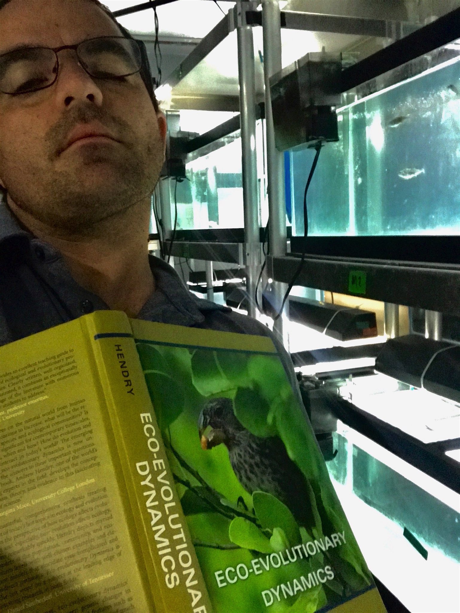 #PeopleWhoFellAsleepReadingMyBook Chris Anderson and his stickleback! https://t.co/qvoWThewv8