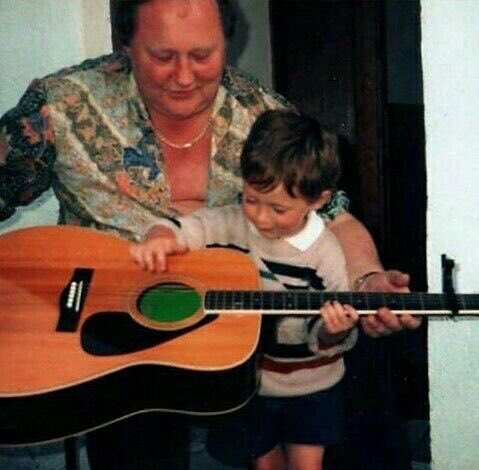 Now he&#39;s all grown up, but no matter how older he gets, he is still the person that he was 24 years ago #HappyBirthdayNiall <br>http://pic.twitter.com/CrueQ29ygT