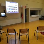 Image for the Tweet beginning: Alles gereed voor workshop videoreporter!