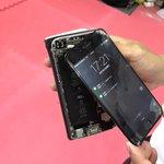 iPhone Z(財木)の新機能。ガルウィング開き pic.twitter.com/mECXBbie…