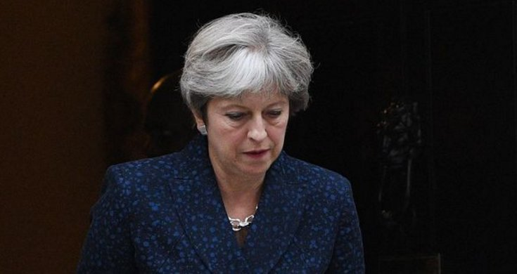 Tories accused of 'handcuffing Theresa May to a radiator in a Beirut basement' https://t.co/fz9aFpbaGo https://t.co/T1yNZMyWgR