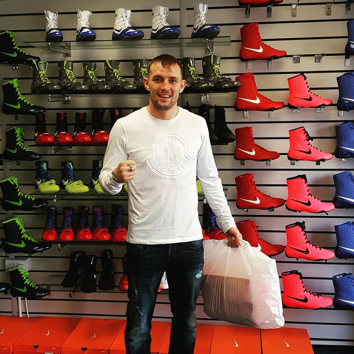 ab4650b85e0e Always Great to have Luke Blackledge in our Manchester Store  kotwins   komanchester  manchesterfightstore
