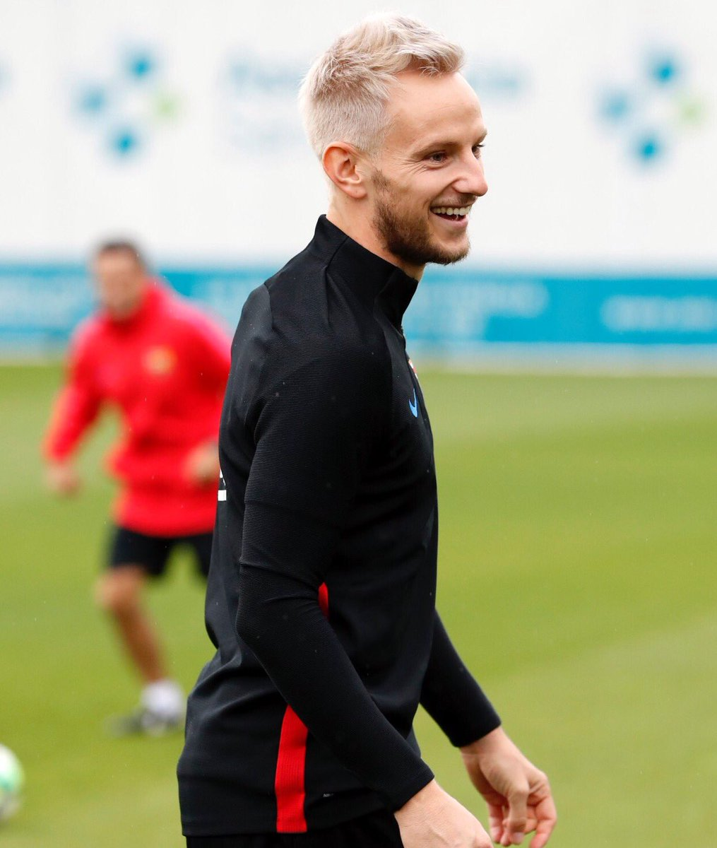 Ivan Rakitic changes his hair color in new hairstyle