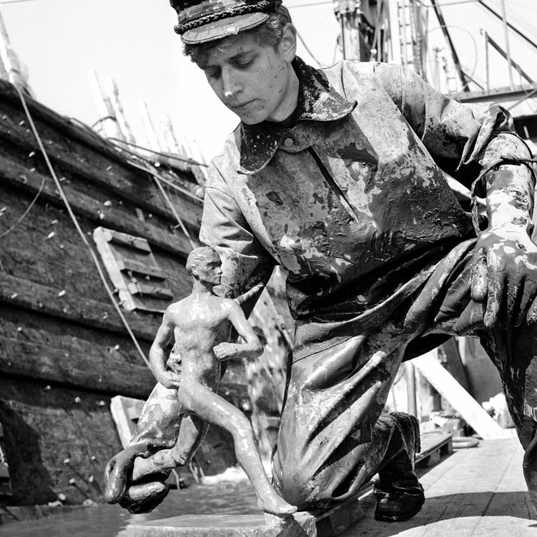 """Yle Areena pe Twitter: """"Kaikkien aikojen teekkarijäynä? Paavo Nurmen patsas  vietiin Vasa-laivan hylkyyn. https://t.co/Nqc3NG7ngp #vasa #wasa  #paavonurmi #teekkari… https://t.co/pwjeKem3W3"""""""