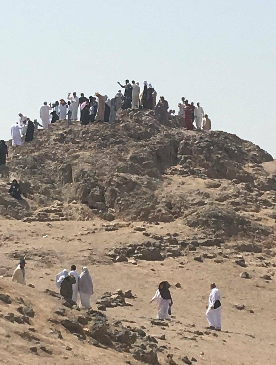 نوادر من التاريخ On Twitter جبل الرماة و يعرف أيضا بأسم جبل عينين وهو جبل صغير يوجد بالقرب من جبل أحد كان عليه رماة المسلمين في معركة أحد